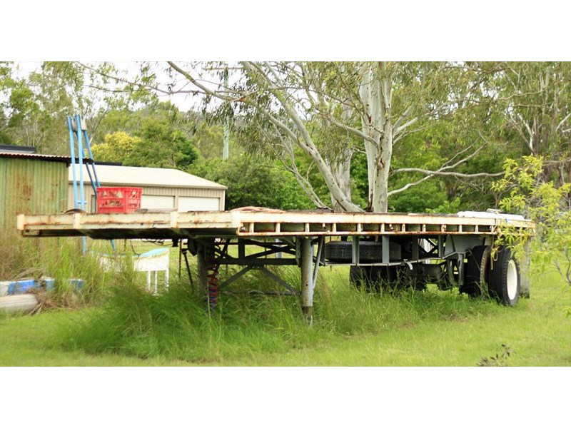 fruehauf single axle strap trailer 85529 002