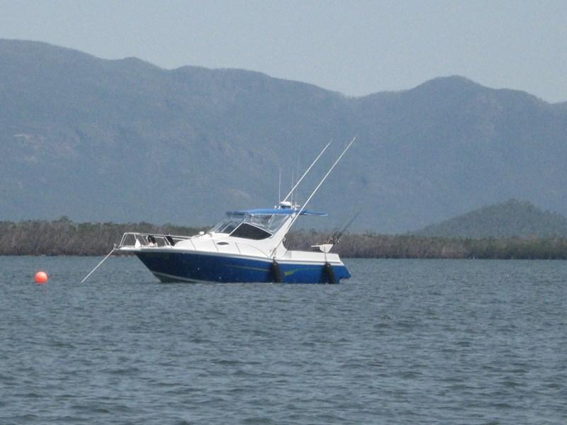 2008 CAIRNS CUSTOM CRAFT SERIES 8000 BRIDGE DECK for sale | Trade Boats, Australia