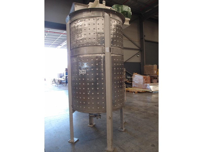 stainless steel jacketed mixing tank 3,000lt 103146 001