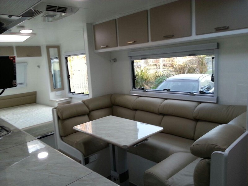 evolution luxliner 22'8'' 111696 007