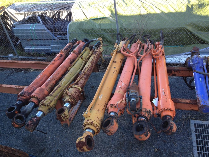 all makes used hydraulic cylinders 120299 001