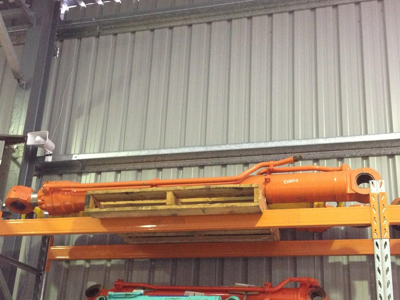 all makes used hydraulic cylinders 120299 002