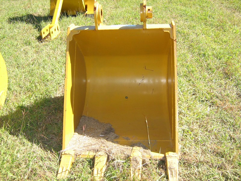 various excavator buckets unused 120960 001