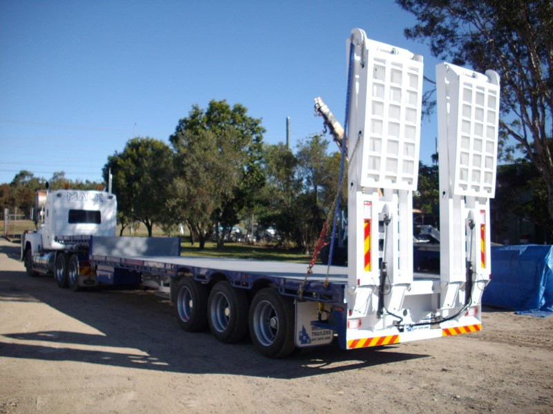r.e.s 45 ft road train lead with ramps 121522 001