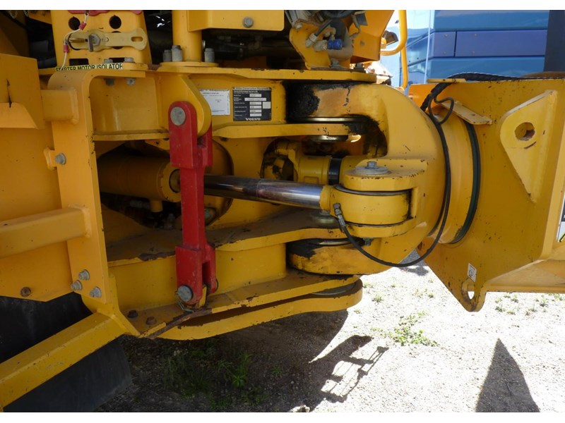 volvo a40d 130560 006