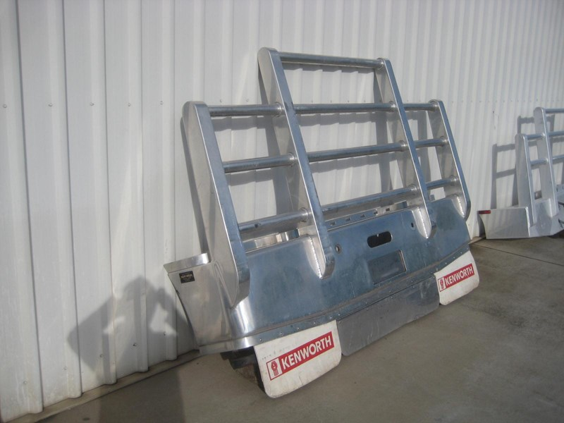 bullbars large range of 2nd hand bullbars  in stock 130864 007