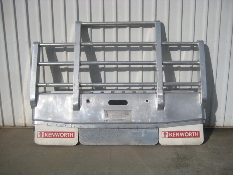 bullbars large range of 2nd hand bullbars  in stock 130864 008