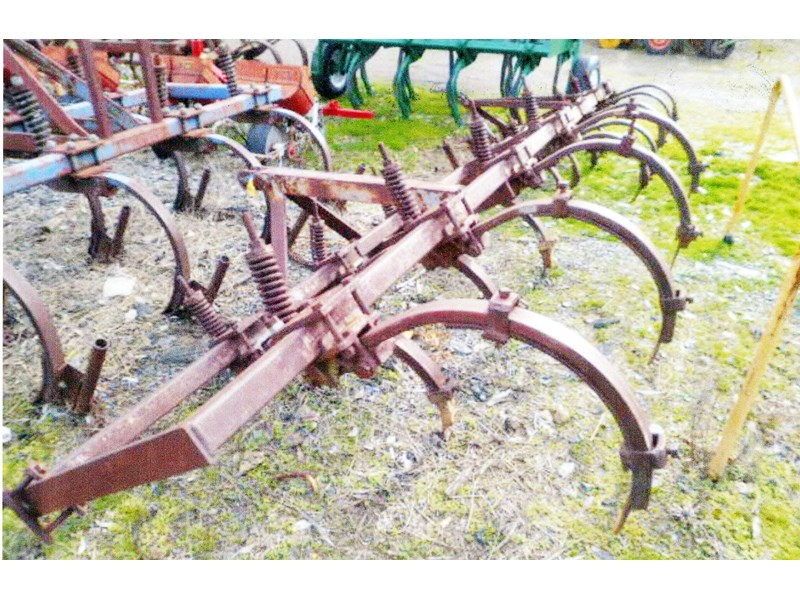 other 5, 7 & 9 tyne chisel ploughs 131331 001