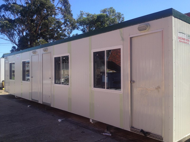 e i group portables 12m x 3m four room accommodationfully optioned 133868 002