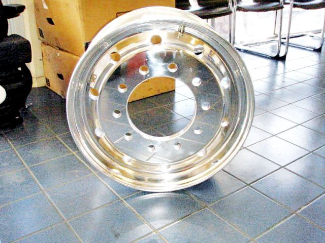 "custom built 9"" offset polished alloy rims 139517 001"