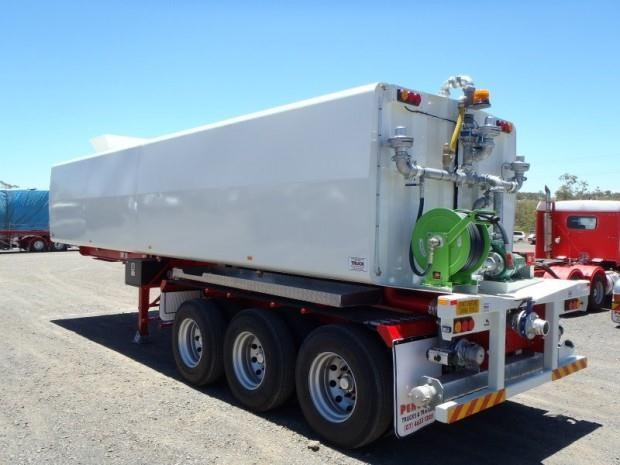custom tanker-trailer 151643 001