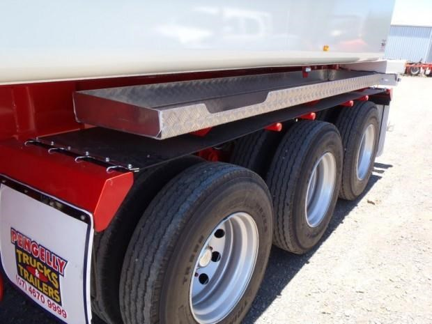 custom tanker-trailer 151643 012