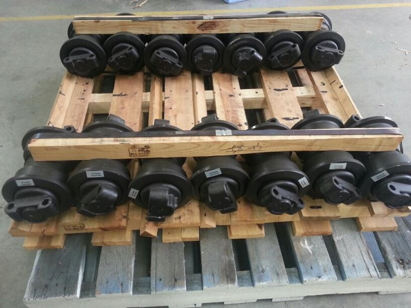 hitachi hitachi track rollers to suit ex100 up to ex130 & zx110 up to zx135. 9066508 151680 002