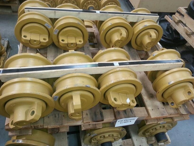 caterpillar caterpillar double flange track rollers to suit cat d6h/r/t & cat 527/963. 1205766 152089 002