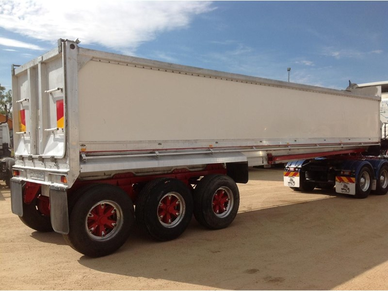 hockney alcan aluminium tri axle 135419 003