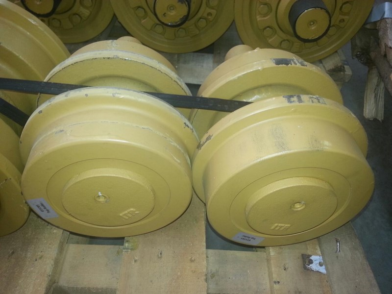 caterpillar caterpillar top rollers to suit cat d6h/r/t & cat 963. 6y1781 152147 002