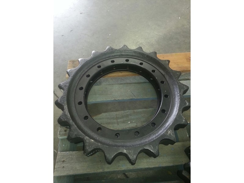 john deere sprockets to suit john deere 110,120,490 & 493 152221 001