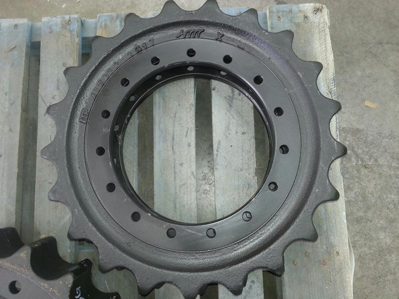 caterpillar caterpillar sprockets to suit cat 211 up to cat 314 & cat e110. 4i7472 152681 001