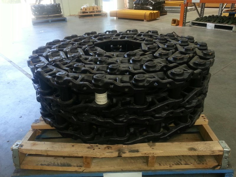 kobelco kobelco greased track chains to suit sk160,sk170 & sk200. 24100j11338f1 160739 002