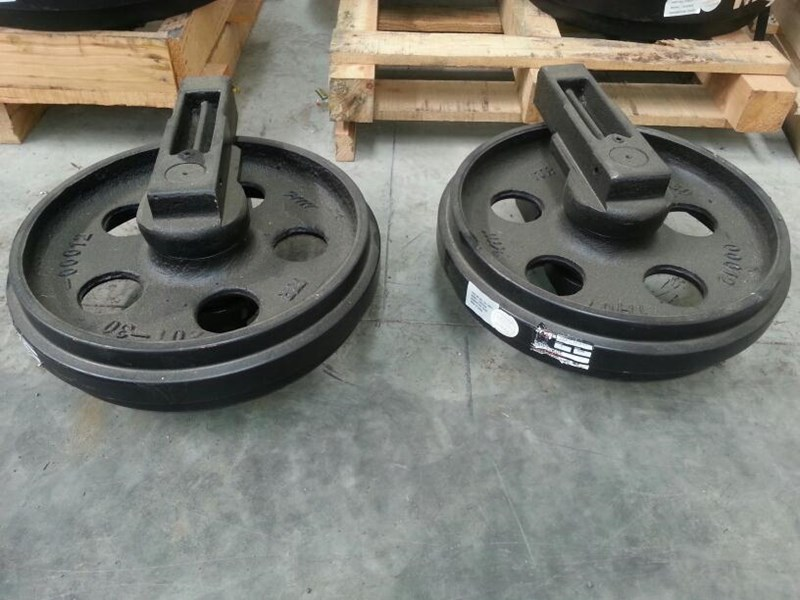 komatsu komatsu idler group with brackets to suit pc60 up to pc78uu-6. 201-30-00260 161602 001
