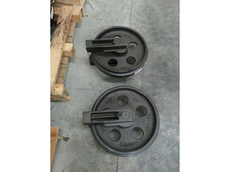 komatsu komatsu idler group with brackets to suit pc60 up to pc78uu-6. 201-30-00260 161602 003
