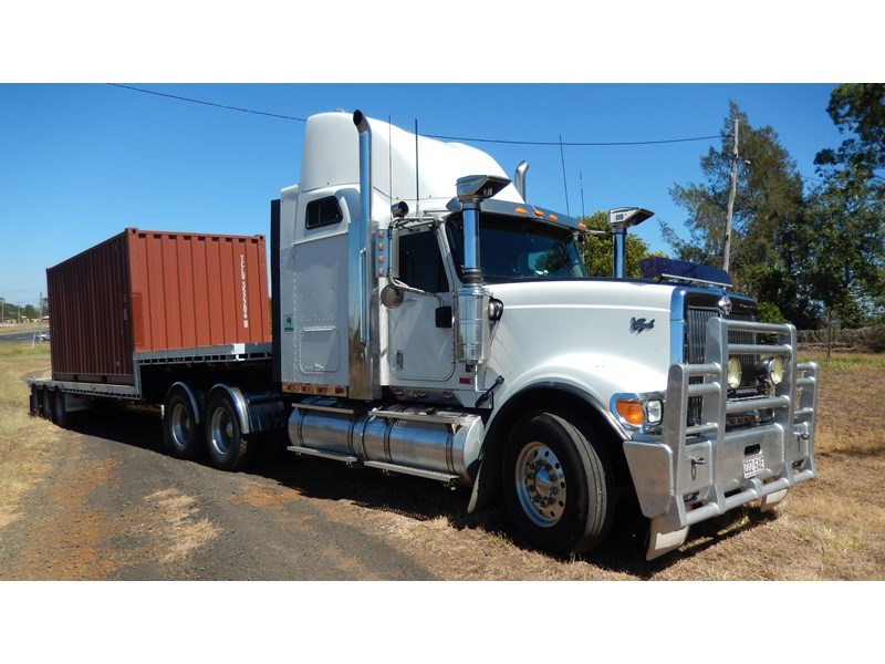 international 9900i  eagle 162982 002