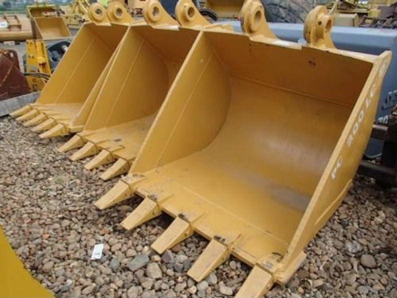 various excavator buckets to suit 20 - 22 tonn 171905 001