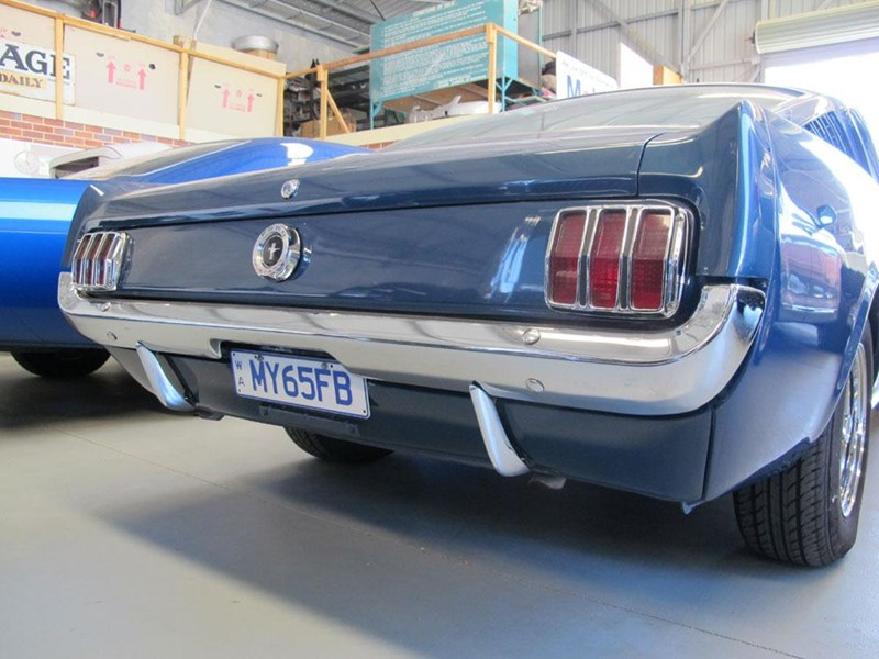 ford mustang 177443 011