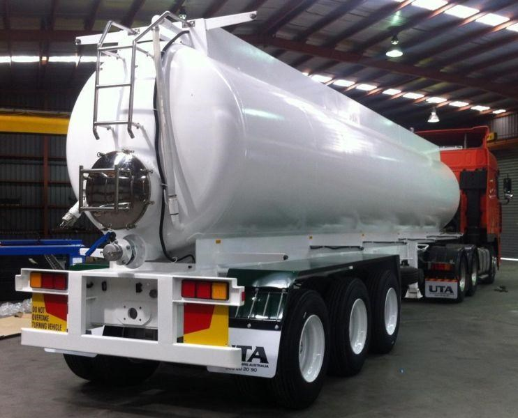 ultimate trailers 2000 daf fx95 prime mover with new 26000lt vacuum tanker package 177631 002