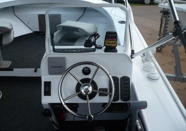formosa tomahawk offshore 520 side console 179691 007