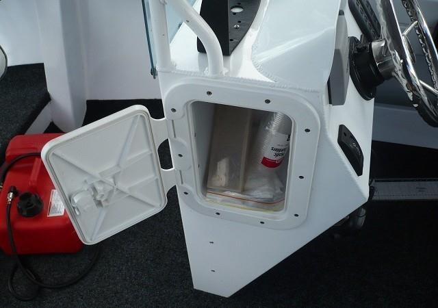 formosa tomahawk offshore 520 side console 179691 010