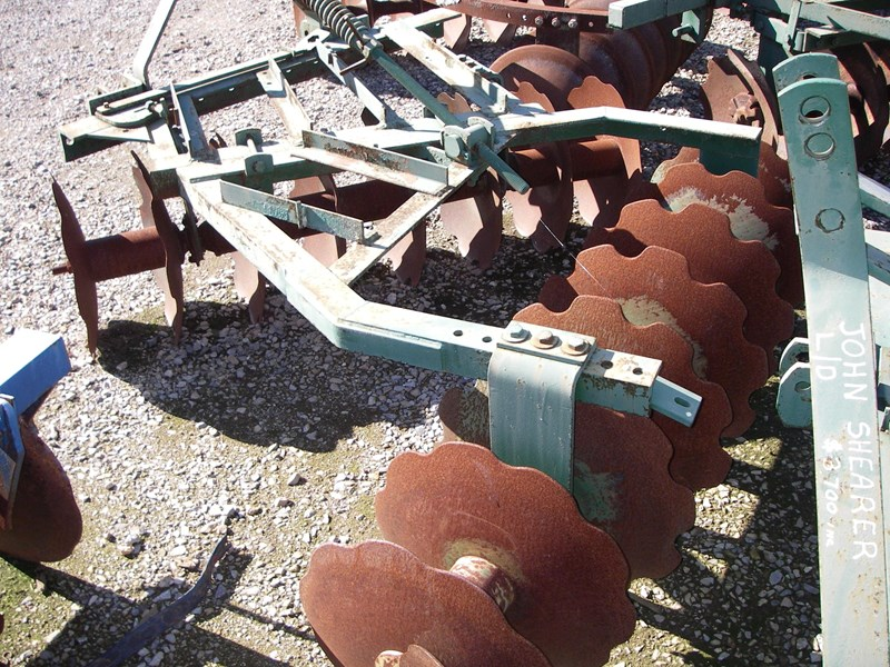 john shearer scalloped disc cultivator 188078 001
