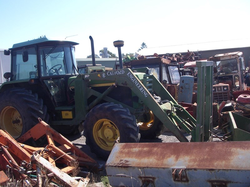 john deere 3350 tractor 4wd (wrecking parts only) 191956 001