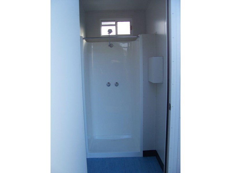 mcgregor 1.8m x 1.2m new single shower 9954 003
