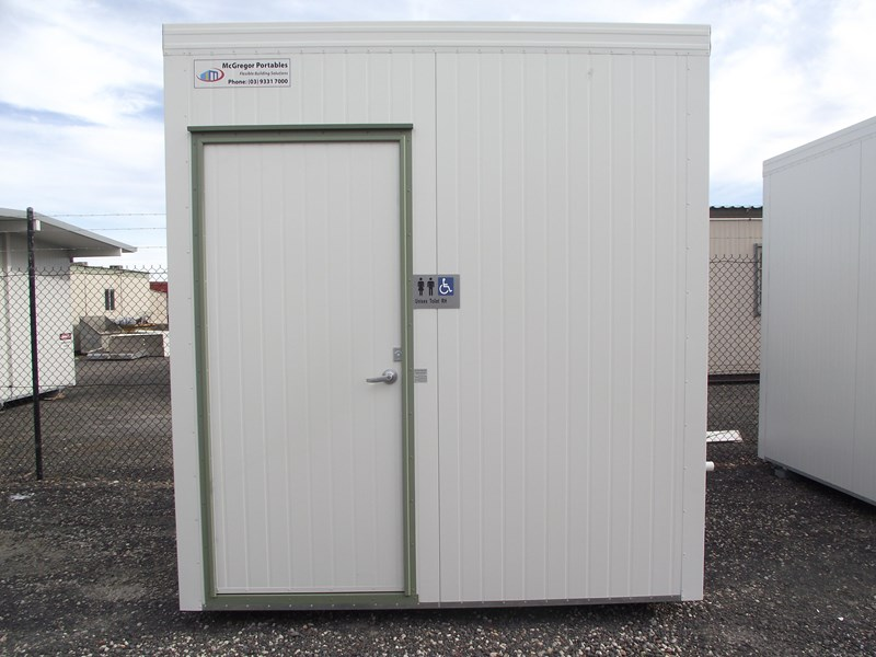 mcgregor 2.4m x 2.4m transportable disabled toilet 193121 001