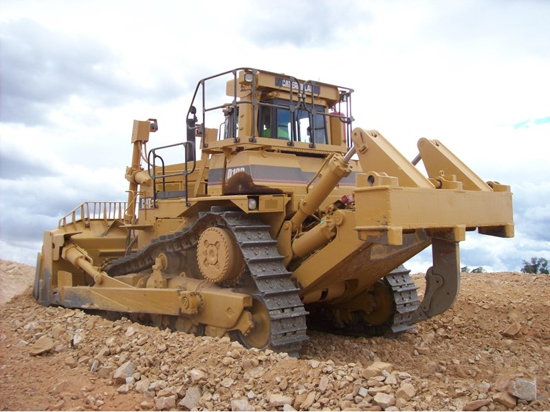 caterpillar d10r dozer 110327 002