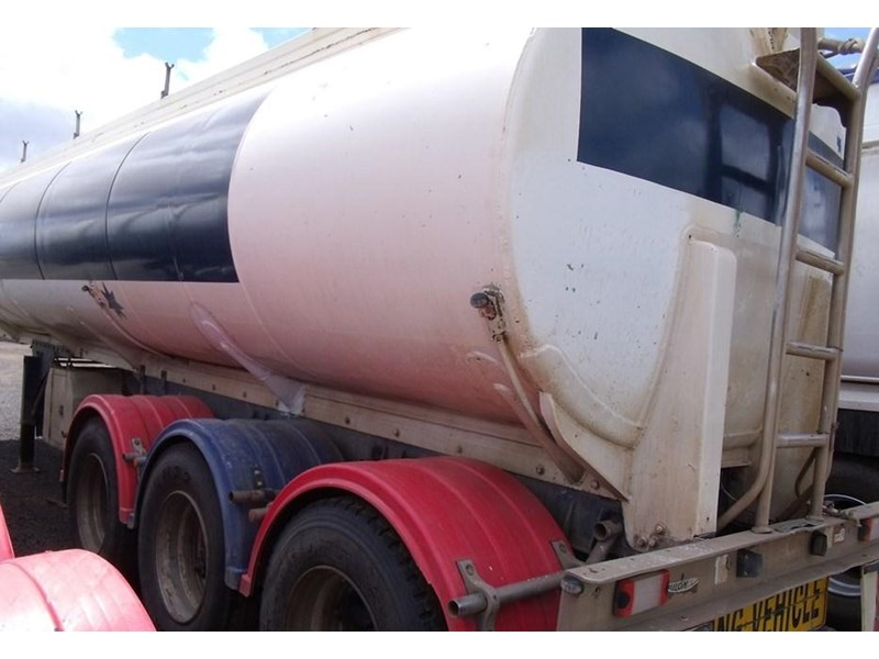 custom hockney tri axle water tanker 212881 004