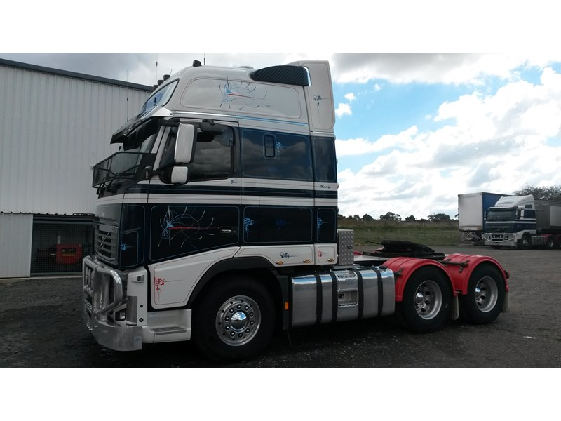 volvo fh16 214377 002