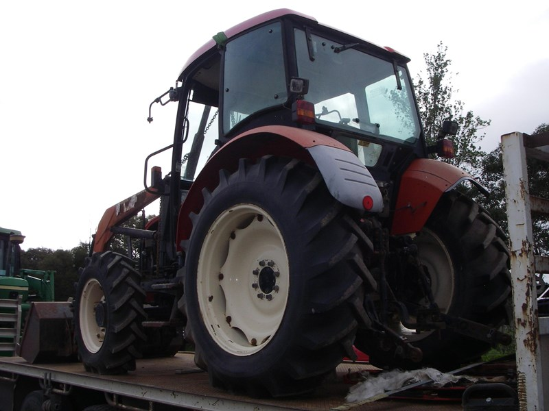 zetor tractor (wrecking parts only) 216224 004