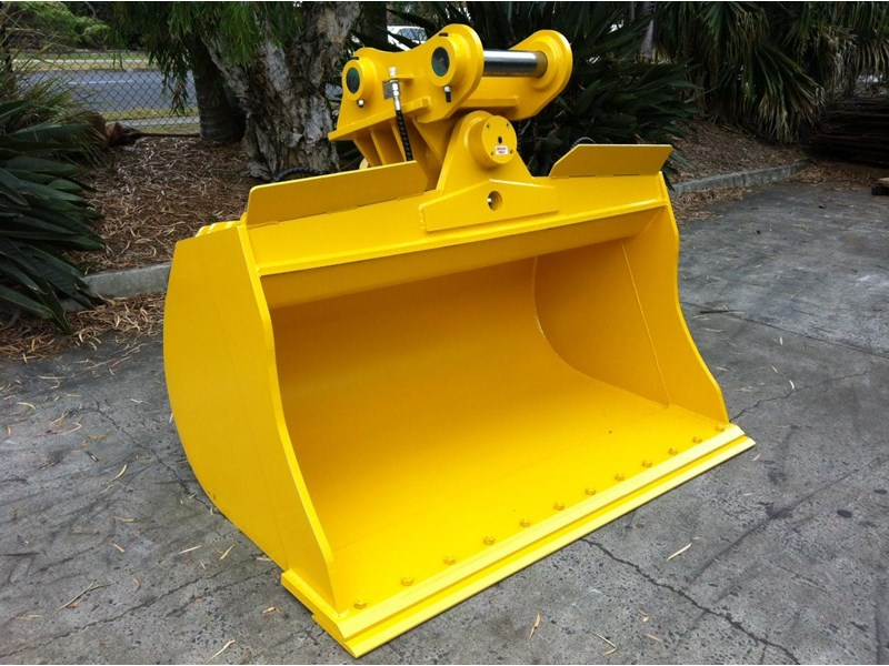 peter gardner engineering tilting excavator buckets 218142 001
