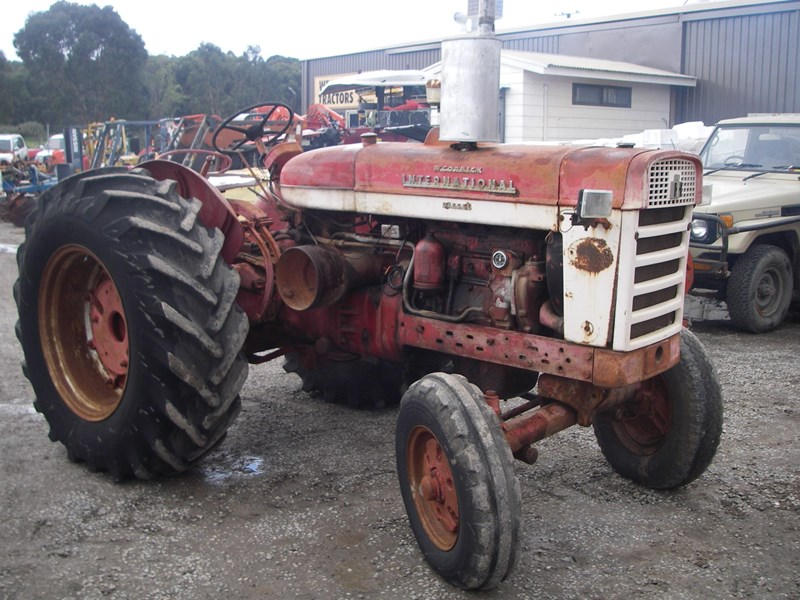 case ih 554 tractor (wrecking parts only) 221656 001