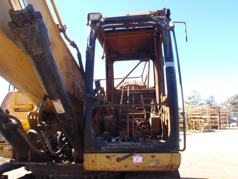 caterpillar 330dl 221661 015