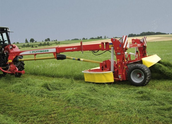 Pottinger Novacat 307 Trailed