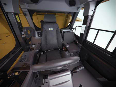 Caterpillar 773G Interior