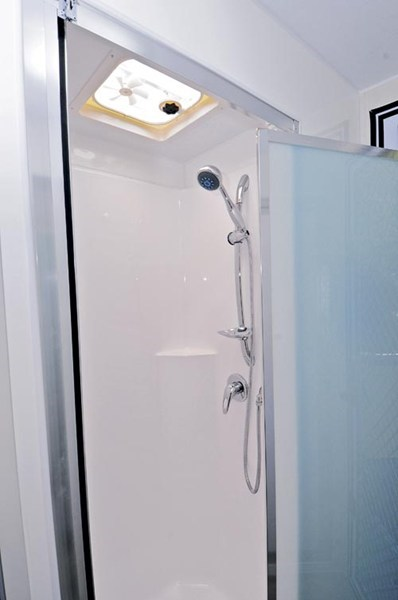 Royal Flair Piazza Shower