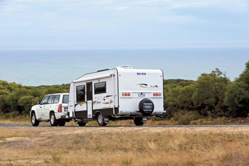 Who Makes The Roadrunner Model  Travel Trailers