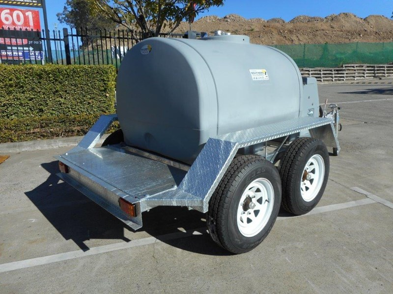 lockable & secure poly 1200l on road diesel cartage fuel trailer with tool box - 12v 85l diesel pump unit [tfpoly] [attftrail] 243078 005