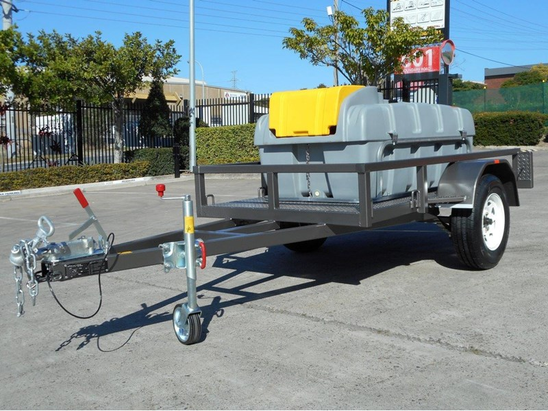 lockable & secure poly diesel fuel trailer [on road] 600l enclosed [tfpoly] [attftrail] 243055 004