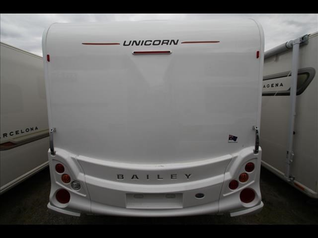 bailey unicorn series 3 pamplona 2015 244716 017