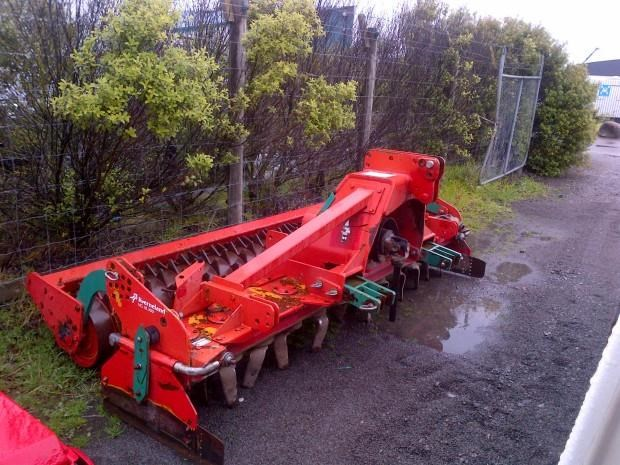 kverneland ng18-300 3m power harrow 234210 001